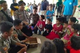 Samapta Polda Banten gelar trauma healing anak- anak korban banjir Lebak