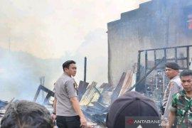 Aksi heroik Kapolres Padangsidimpuan saat kebakaran yang hanguskan belasan rumah