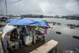 BMKG imbau warga pesisir utara Jawa waspada air pasang