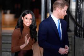 Pangeran Harry dan istrinya Meghan Markle mundur dari kerajaan Inggris secara mendadak