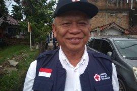 PMI Lebak evakuasi warga yang terjebak di kawasan hutan