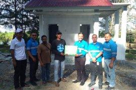 Mifa Bersaudara tuntaskan sarana MCK di Konservasi Penyu Barsela