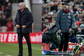 "Catatan lakon ""The Normal One""  versus  "" The Special One"""
