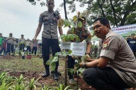 Tanam bibit pohon, Polda Metro Jaya dapat MURI