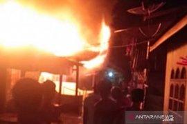 Tiga rumah di Semula Jadi Tanjungbalai terbakar