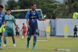 Beni Oktovianto resmi bergabung dengan Persib Bandung, sebagai penyerang
