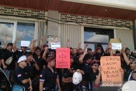 Ratusan driver Grab datangi Kantor Grab Bali
