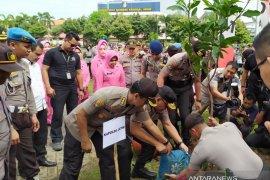 Polda Jatim tanam 156 ribu pohon untuk antisipasi banjir