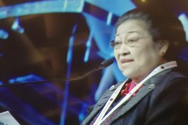 Megawati ingatkan kader PDIP tidak jadi politisi populis