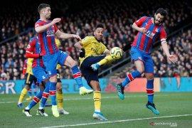 Aubameyang cetak gol untuk Arsenal dan diganjar kartu merah