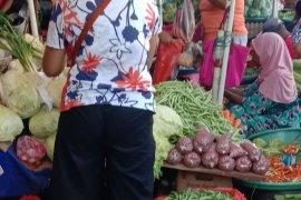 Sayur buncis langka di dua pasar Ambon