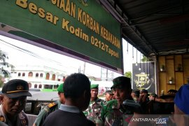 Kodim 0212 serahkan bantuan kemanusiaan kepada korban kebakaran di Padangsidimpuan