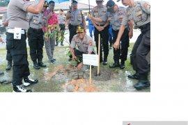 Polres Belitung galakkan kegiatan penanaman pohon guna lestarikan alam