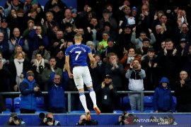 Manajer Everton Ancelotti angkat topi untuk Richarlison
