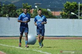 Dua pemain baru asal Brasil mulai latihan dengan Persib