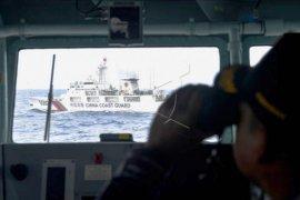 Kapal coast guard China berada di ZEE Indonesia