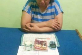 IRT di Sindar Raya Simalungun nyambi jurtul togel di kedainya
