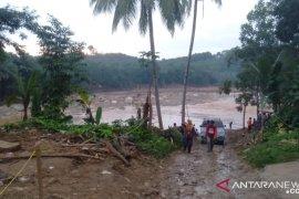 Karang Taruna dan Risma TMI salurkan bantuan korban banjir di Lebak