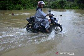 Banjir di Makassar Page 1 Small