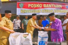 Pemkot serahkan bantuan untuk korban kebakaran di Padangsidimpuan