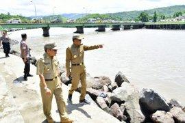 Gubernur Sulsel tinjau kondisi sungai Jawi-jawi di Parepare