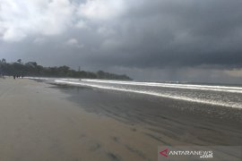 Bupati Garut akan tutup objek wisata Pantai Cijeruk untuk wisatawan
