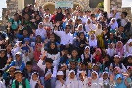 Pemkab Bone Bolango ajak 507 anak yatim berwisata