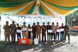 Bupati : Kontes durian semangat untuk melestarikan buah lokal