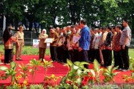 Gubernur Khofifah ajak peningkatan kesadaran budaya K3