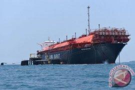 Pertamina lepas perdana ke permukaan air laut Kapal FSRU Jawa-1