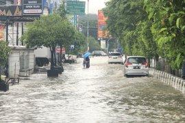 Hujan deras, sebagian wilayah Samarinda kebanjiran