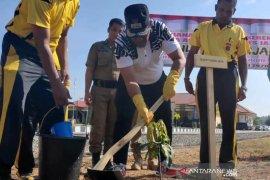 Polres Aceh Jaya tanam 1.021 pohon berbuah