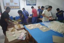 Dinsos dirikan dapur umum dan salurkan konsumsi bagi korban banjir Cirebon