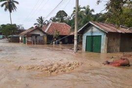 Delapan kabupaten di Sumsel ini waspada banjir dan longsor