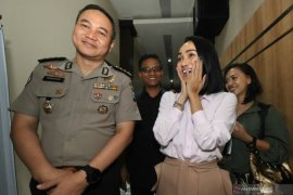 """Polda Jawa Timur akan panggil 13 artis tambahan saksi kasus """"MeMiles"""""""