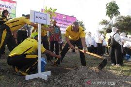 Kepolisian tanam 32.700 pohon penghijauan di Aceh