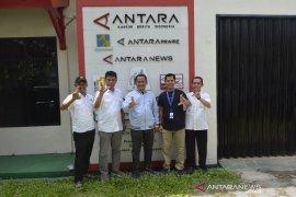 XL Axiata Tbk Kunjungi Antara Biro Lampung Page 2 Small