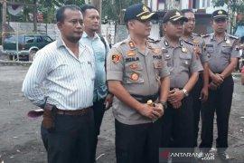 Polisi olah TKP Keraton Agung Sejagat