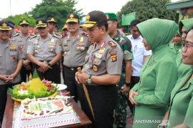 Kapolda Jambi berikan kado kejutan HUT Batalyon Yonif Raider 142/KJ