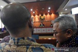 DKPP sebut pimpinan KPU terkesan lakukan pembiaran tindakan Wahyu Setiawan