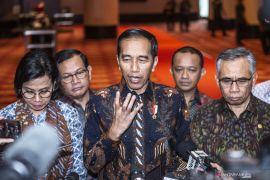 Presiden Jokowi sebut industri asuransi dan dana pensiun perlu reformasi