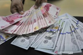 Kurs Rupiah akhir pekan perkasa di tengah melemahnya mata uang regional