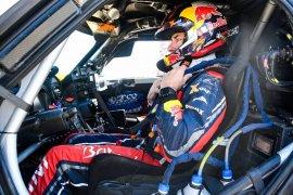 Carlos Sainz makin dekat menuju gelar ketiganya di Dakar