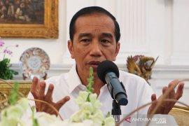 Anak menantu maju Pilkada, Jokowi bantah langgengkan dinasti politik