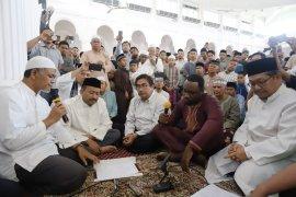 Allahu Akbar! Mahasiswa Afrika Masuk Islam di Aceh
