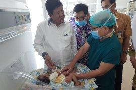 Pemerintah Kepri bantu biayai operasi pemisahan bayi kembar siam