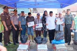 Kapolres Tanjungbalai dan Forkopimda bantu korban kebakaran