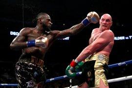 Wilder: Saya akan pensiun jika Fury buktikan sesumbarnya
