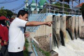 Pemkab Sidoarjo tindak tegas perusahaan pembuang limbah ke sungai