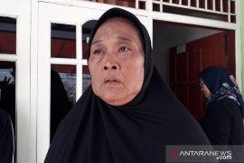 Ibunda sopir bus yang alami kecelakaan di Subang minta maaf
